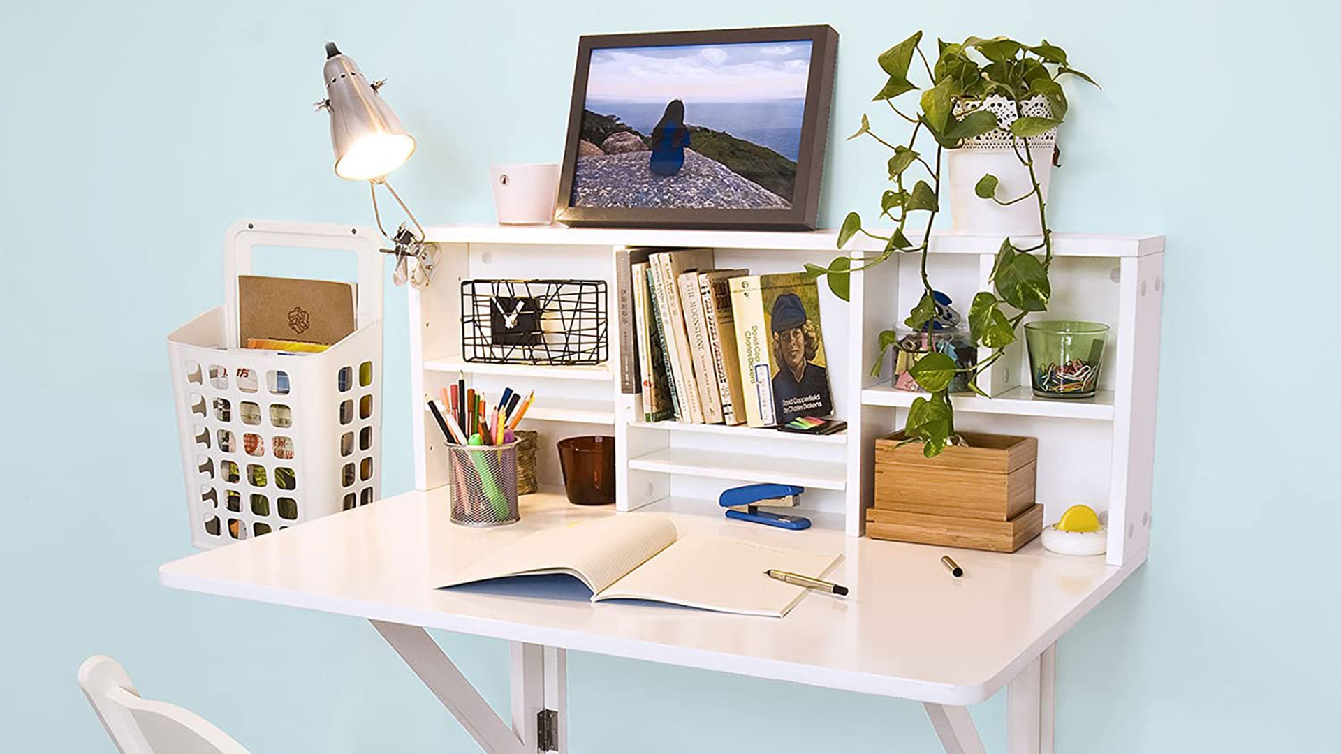 Picture of: Wall Mounted Desks That Are Perfect For Small Spaces Sheknows