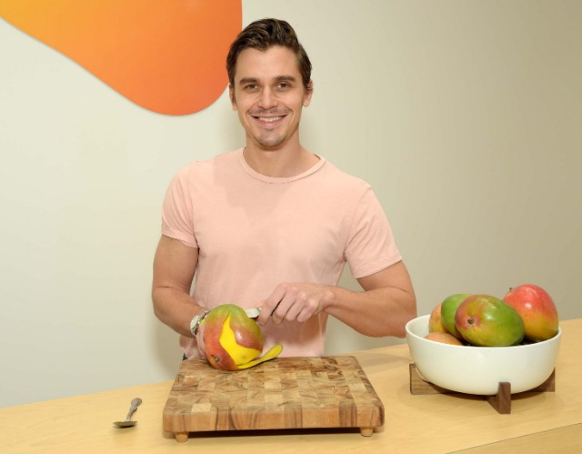 Antoni Porowski for National Mango Board