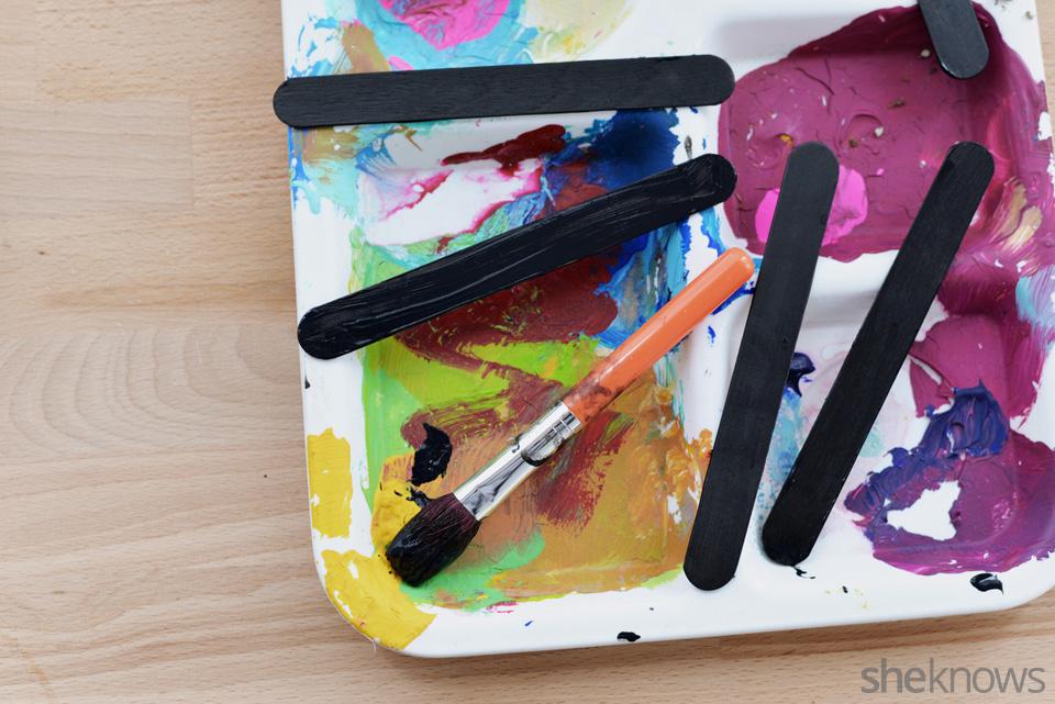 DIY chalkboard garden markers: Step 4 | Sheknows.com