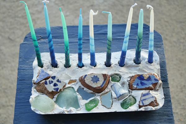 Plastic mosaich menorah - Hanukkah crafts