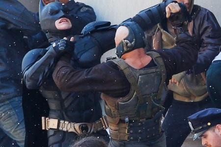 Dark Knight Rising: Tom Hardy's Bane vs Christian Bale's Batman
