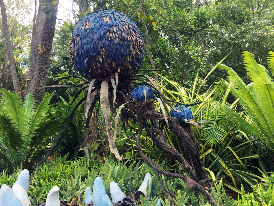 The World Of Avatar: The colorful Puffball Tree in the Valley of Mo'ara
