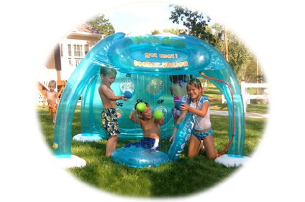 Inflatable Water Sprayer Park | Sheknows.com