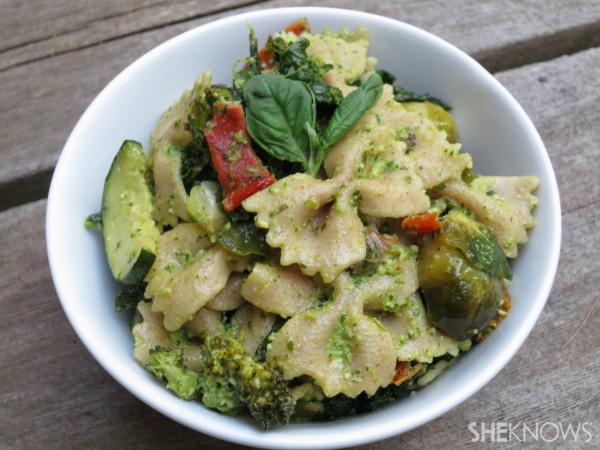 Super-greens pesto pasta
