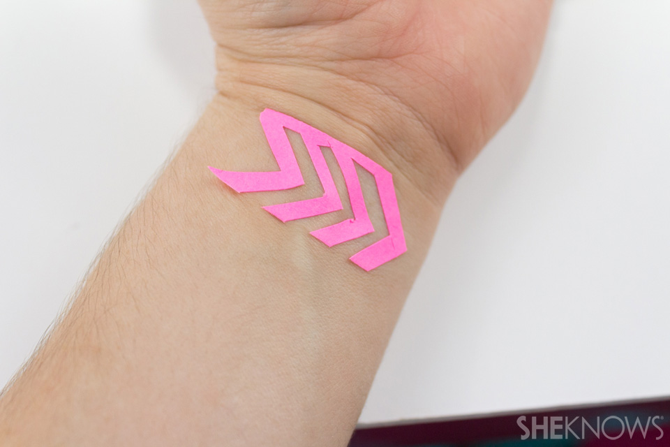 DIY Temporary metallic tattoo tutorial
