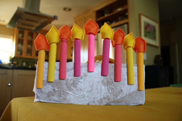Clothespin menorah - Hanukkah crafts