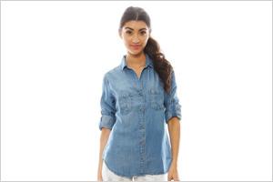 Shop the look: Bella Dahl Seamed Pocket Shirt in River Wash (singer22.com, $150)