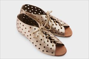 Shop the look:Volcom Sneak Peek Sandals(volcom.com, $38)
