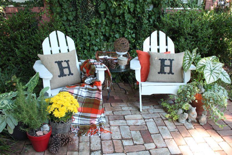 Opulent cottage back patio