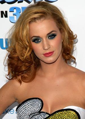 Eye shadow in loud color -- Katy Perry