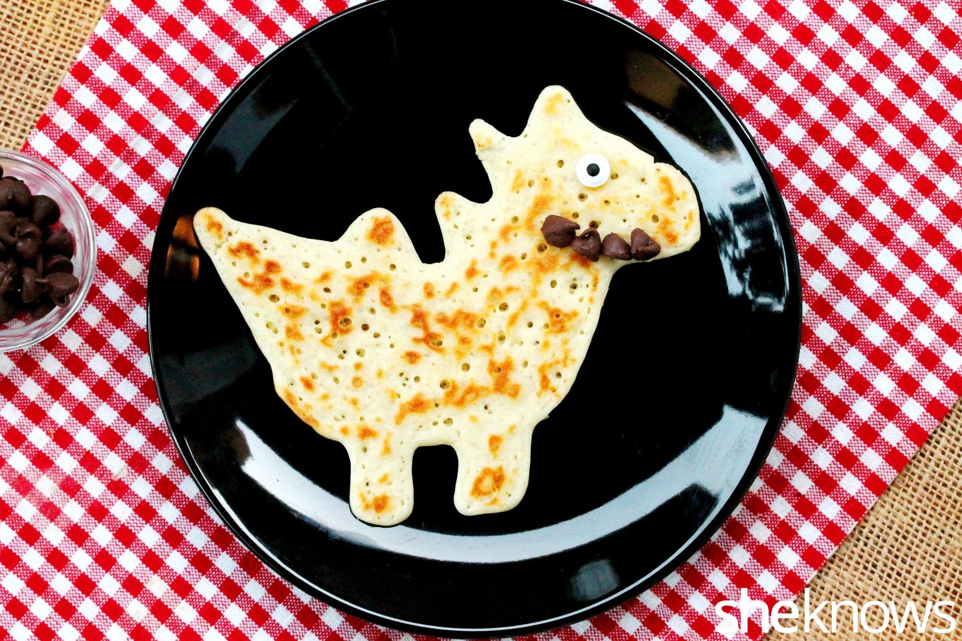 dinosaur-pancake-with-teeth