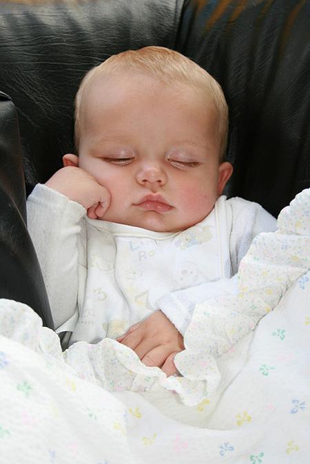 Baby photo fails - Bored now