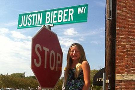 Justin Bieber Way sign stolen