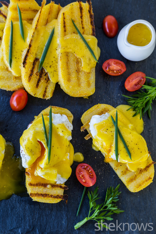 Eggs benedict on grilled polenta