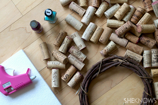 DIY cork wreath materials