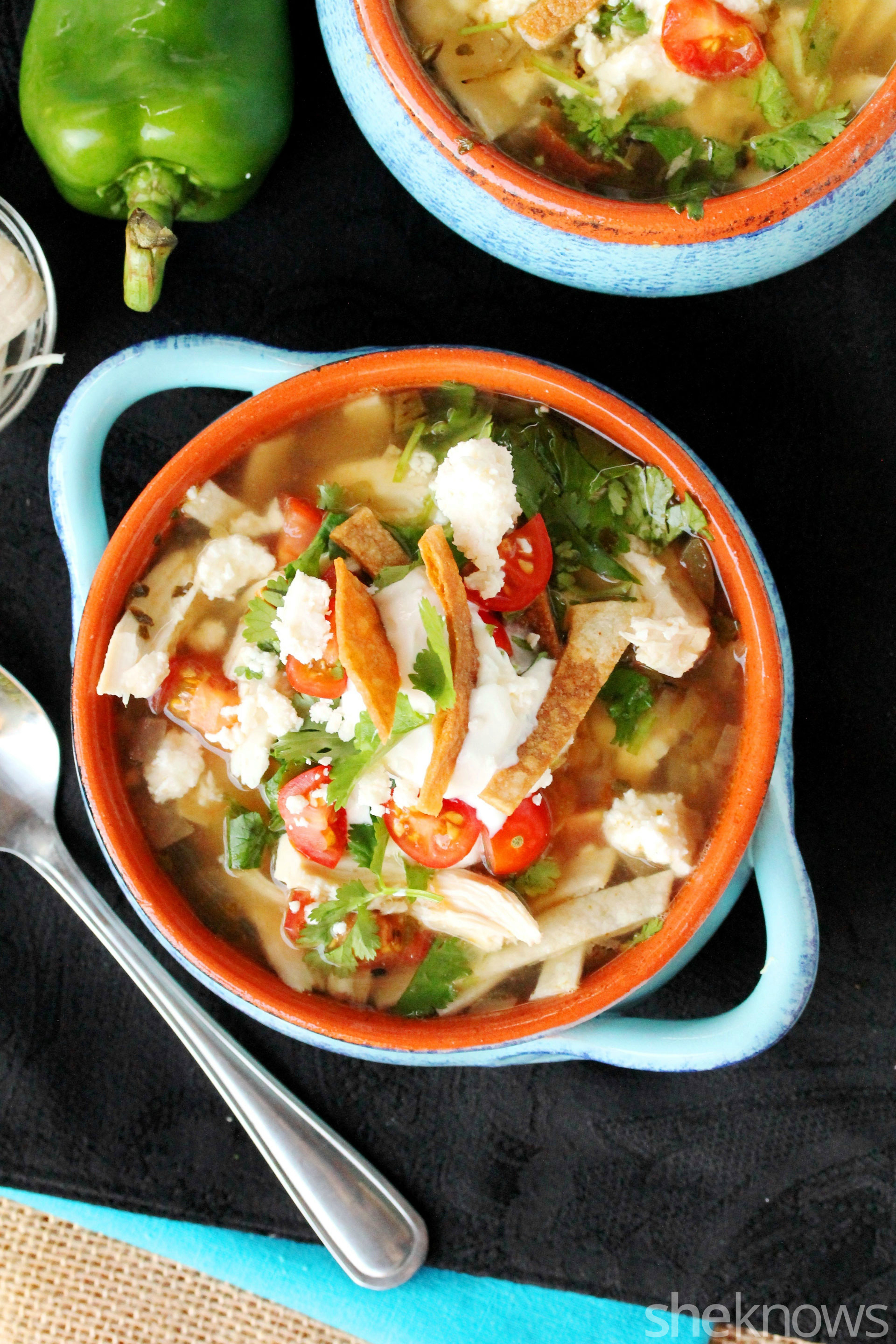 Slow cooker green chili and shredded chicken tortilla soup recipe