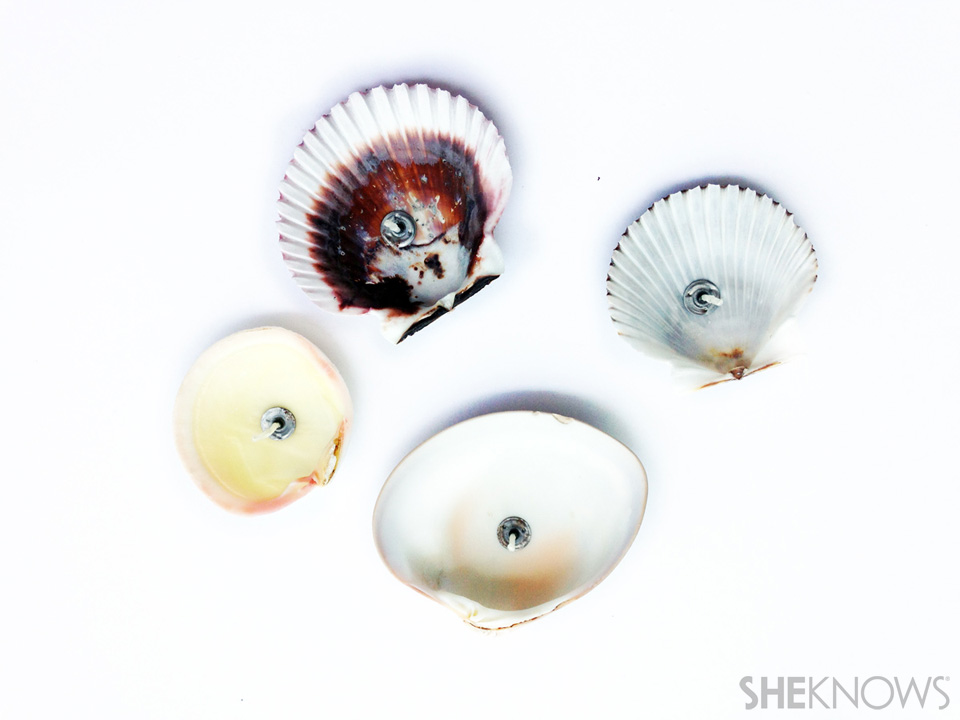 DIY seashell candles: Step 2: Set up wicks in seashells