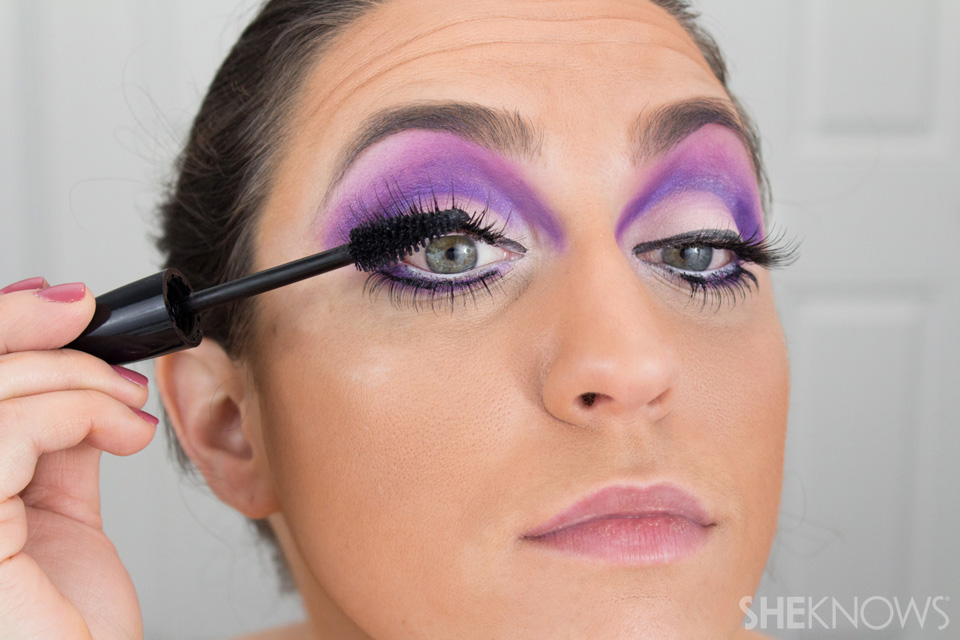 Barbie Halloween Makeup: Step 20