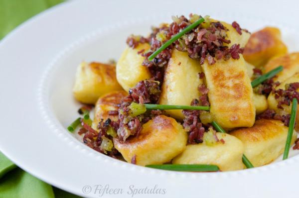 Crispy gnocchi with pastrami ragu