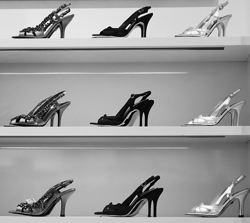 Valentines day dates that won't happen: Shoe shopping