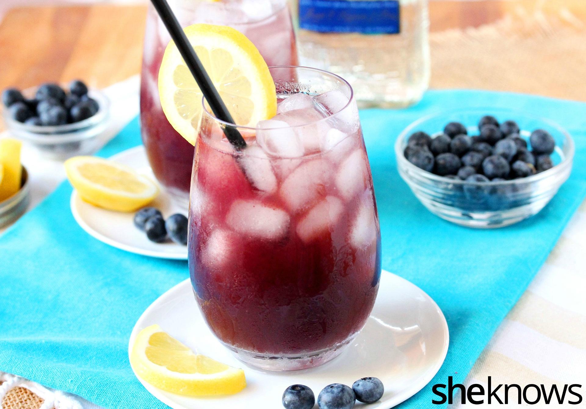 agua-fresca-blueberry-lemon-with-ice