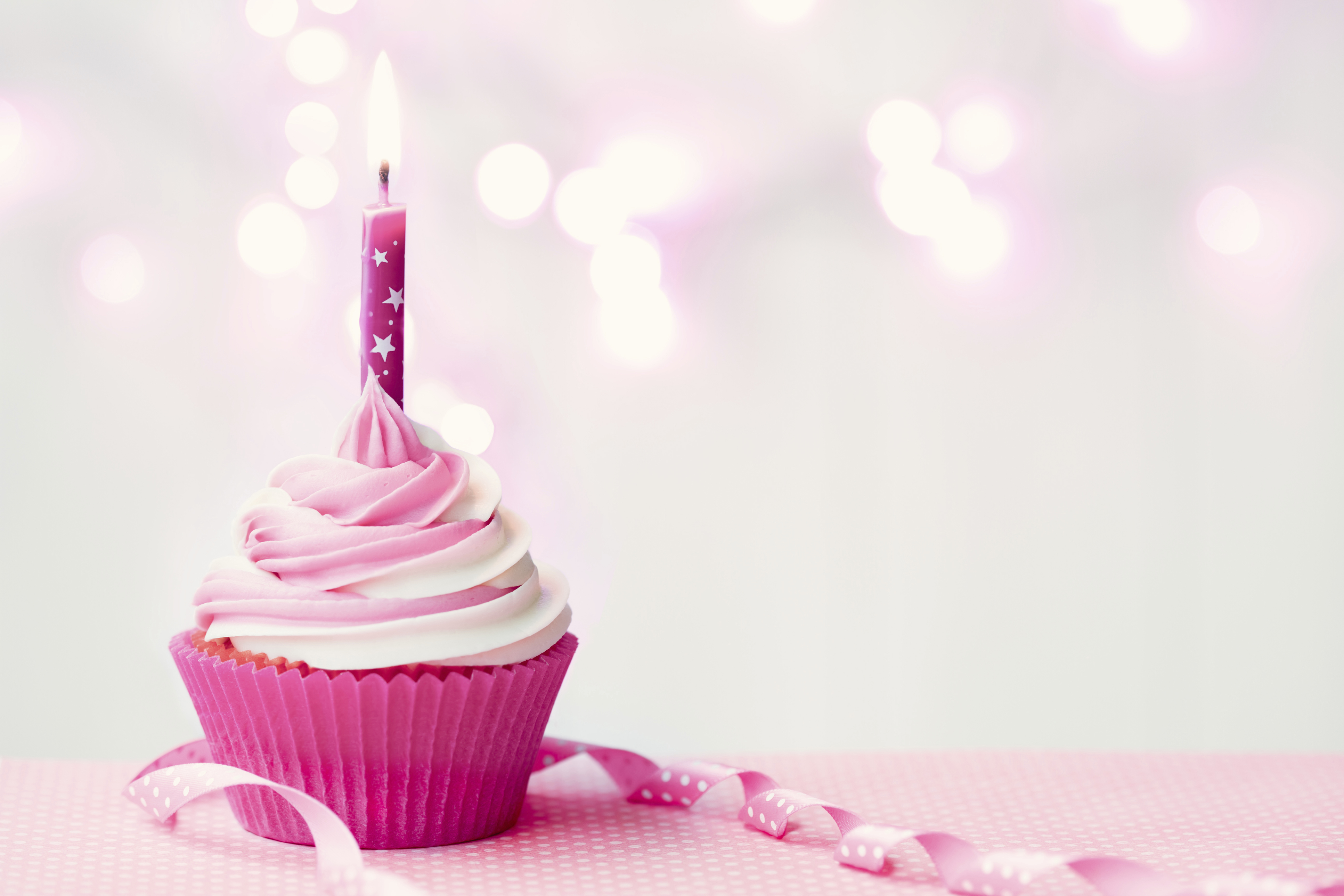 10 Things Your Baby Does Not Need At His First Birthday Party