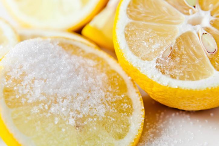 Lemon-sugar scrub
