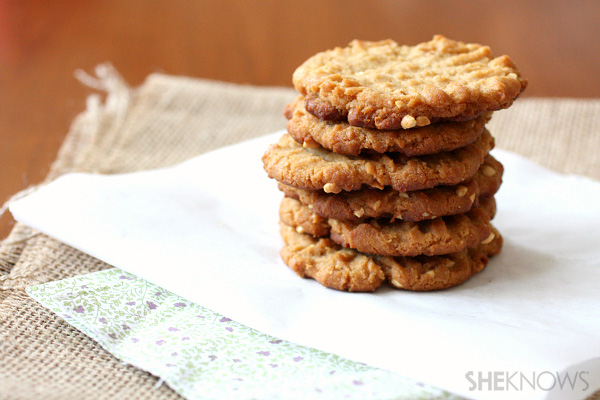 Four-ingredient peanut butter cookies