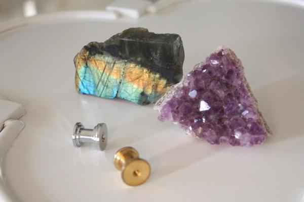 Rock hardware knobs