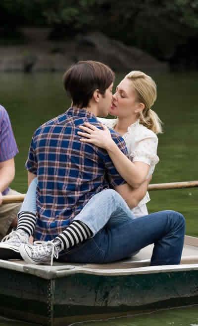 Best Movie Kiss Photos