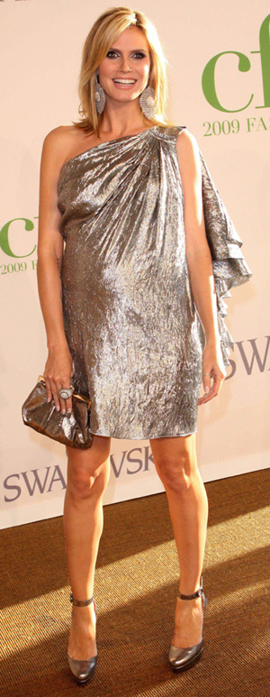Celebrity arrivals at the 2009 CFDA