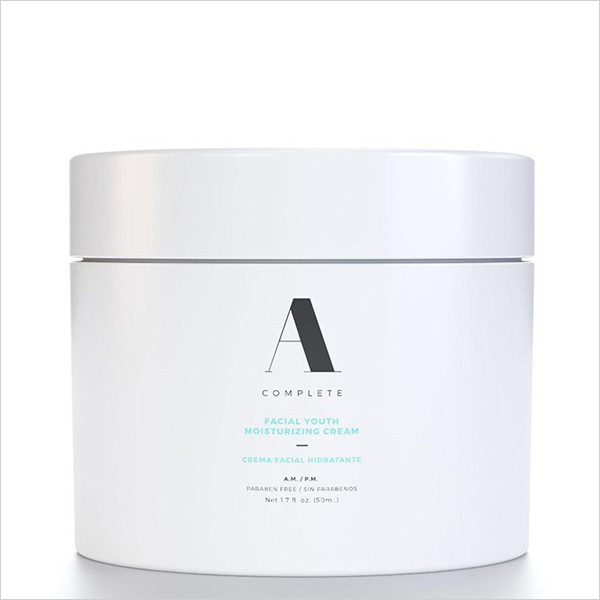 A Complete Facial Youth Moisturizing Cream