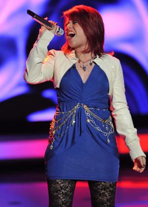 Allison Iraheta sings her heart out on American Idol