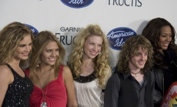 The American Idol girls have a go