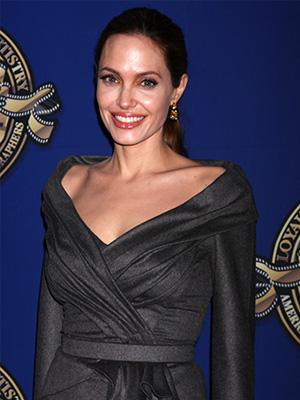 Angelina Jolie Nikki Nelson wenn
