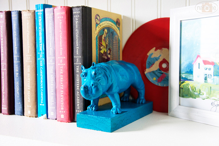 DIY for brightly coloured animal bookends