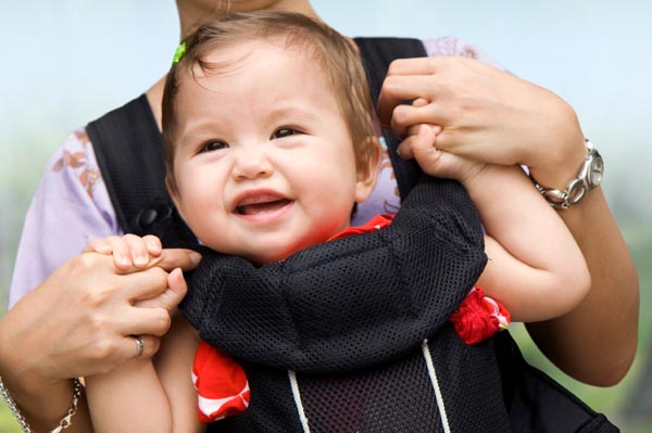 babywearing-attachment-parenting