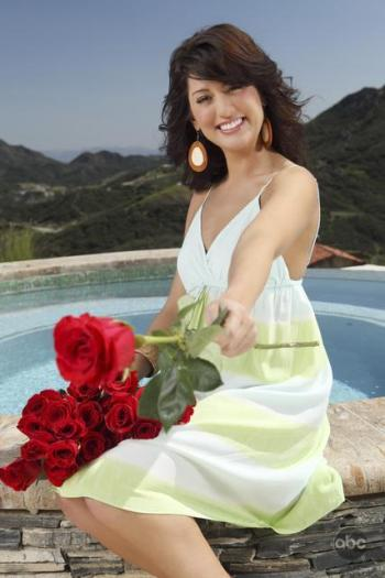 The Bachelorette heads to Hawaii as her final 3 woo her heart