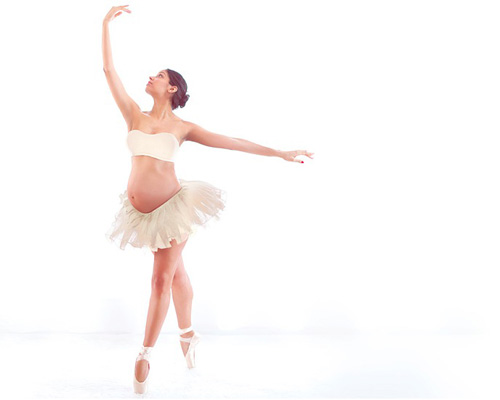 Ballerina maternity photo