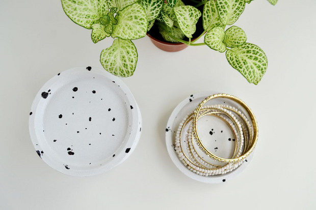 Best Ikea Hacks: chic and minimal trinket dishes