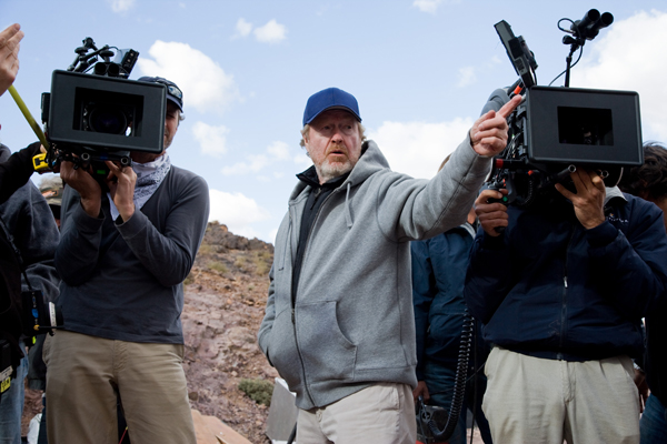 Ridley Scott at work on Body of Lies, in theaters now