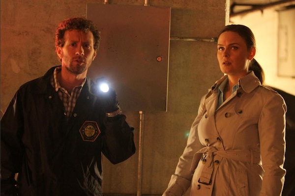 Hodgins and Brennan Investigate the Bombing