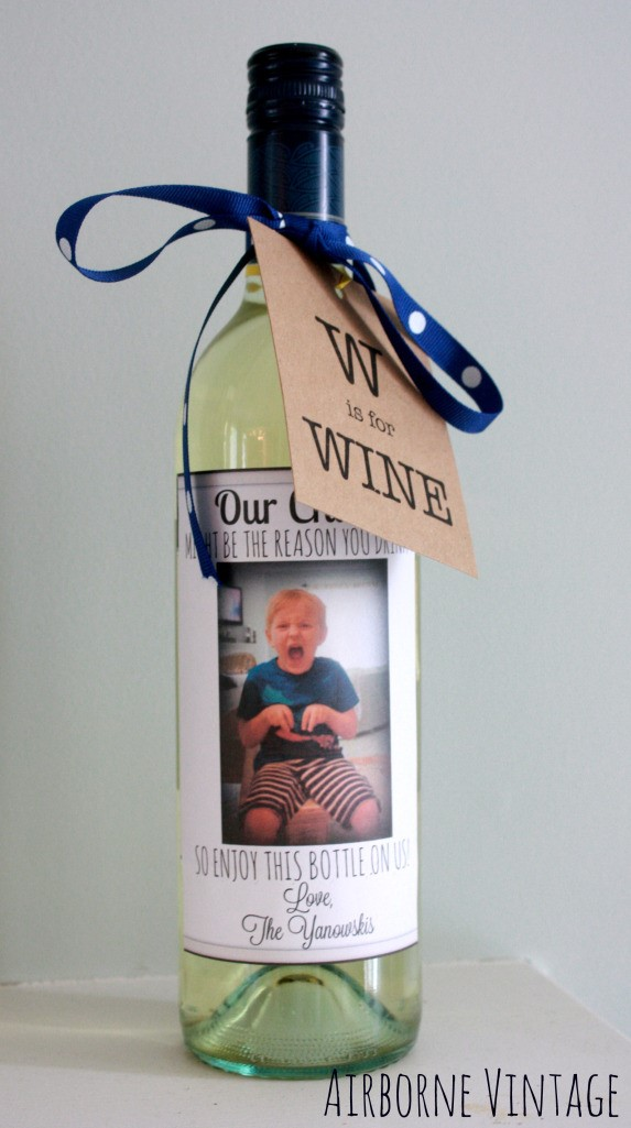 DIY Non-Heart Valentines Gifts For Teachers | DIY Wine With Custom Label