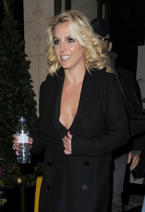 BritneySpearsblackcoat