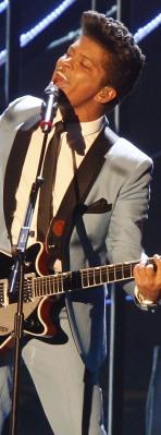 Bruno Mars lands six 2011 Grammy noms