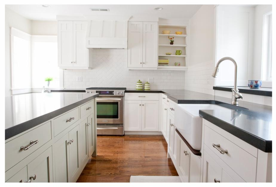 Cabinets: Tiek Built Homes http://porch.com/projects/2026611-7-2?img=921275