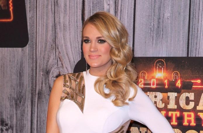 Carrie Underwood broke her car window