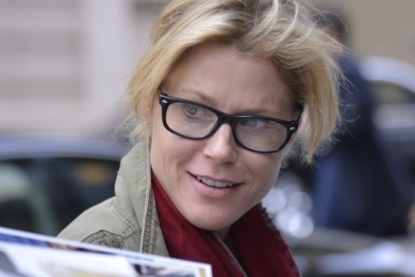 Julie Bowen and celebrities who wear glasses