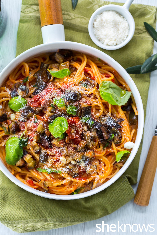 Classic-pasta-alla-norma-vertical