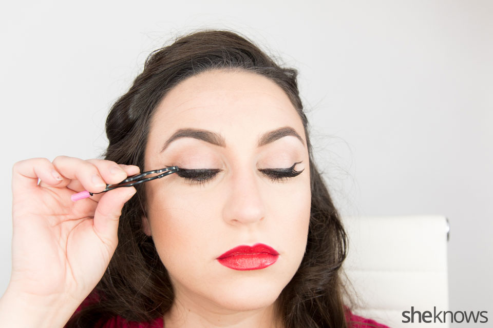 Classic Wonder Woman makeup tutorial: Step 10